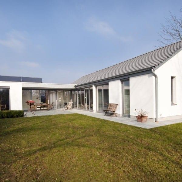 Barrierefreie Sanierung Gartenhofhaus I PLAN.CONCEPT | Ansicht Garten nachher